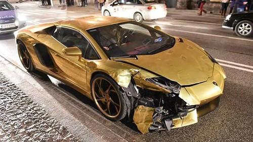 Sieu xe Aventador ma vang gap nan, nat dau-Hinh-2