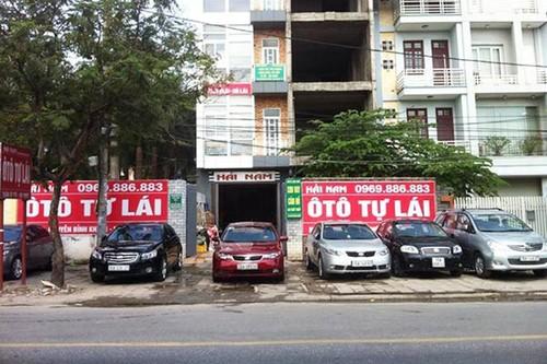 "Dich vu thue oto ""chay hang"" Tet Dinh Dau 2017"