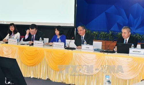 Bat dau doi thoai ve cong nghiep oto tai APEC 2017
