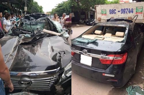 Tai sao Toyota Camry chui gam xe tai tui khi khong bung?