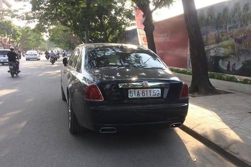Rolls-Royce chuc ty bien Sai Gon lan banh tren dat Cang-Hinh-2
