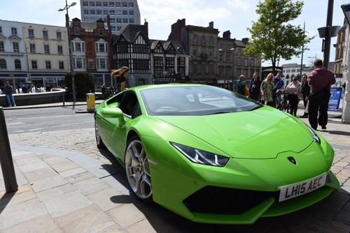 Sieu xe Lamborghini Huracan duoc cap phep taxi tai Anh