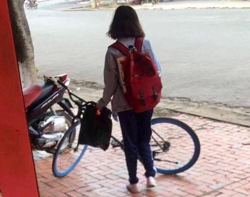 "Co gai mua phuoc moto tang nguoi yeu khien dan mang ""phat hon""-Hinh-3"