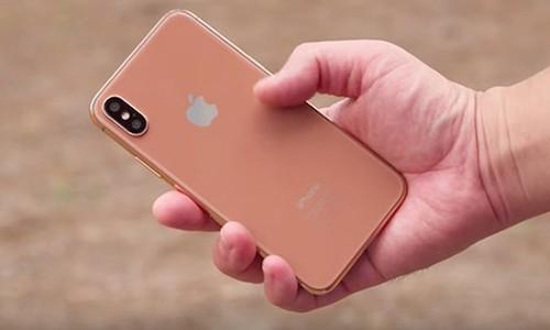iPhone 8 se co gia 999 USD?