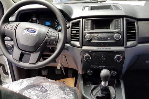Xe Ford Everest Ambiente MT gia tu 850 trieu tai VN-Hinh-6