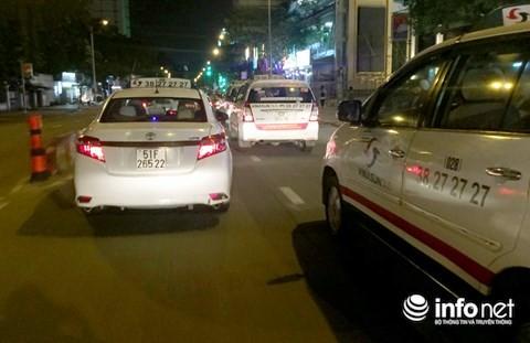 Tai xe taxi Vinasun keu goi go bo bang ron noi xau Uber, Grab-Hinh-2