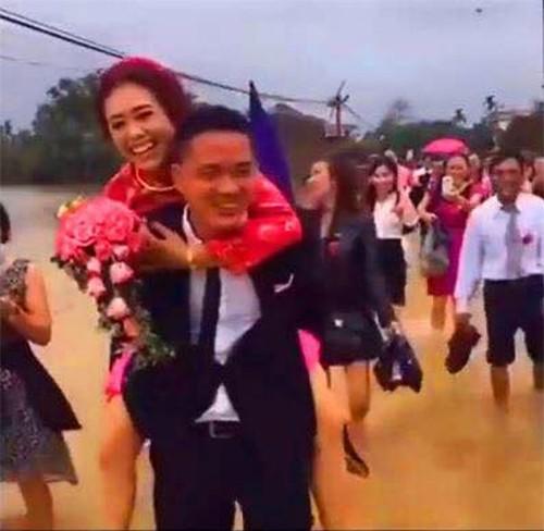 "Chu re gian nan tim ""1001 cach"" de ruoc nang ve dinh-Hinh-4"