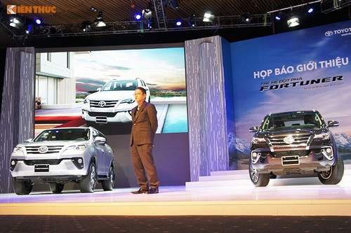 Toyota Viet Nam dung dau thi truong oto sau 9 thang