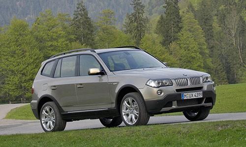 BMW trieu hoi gan 100 nghin xe SUV hang sang X3 tai My