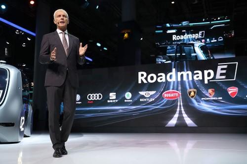 """Volkswagen """"dat cuoc"""" 34 ty Euro vao xe dien, xe tu lai-Hinh-2"""