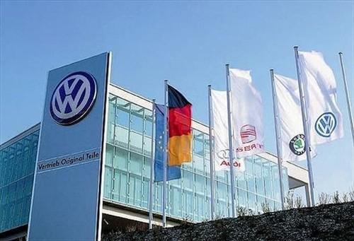 """Volkswagen """"dat cuoc"""" 34 ty Euro vao xe dien, xe tu lai"""