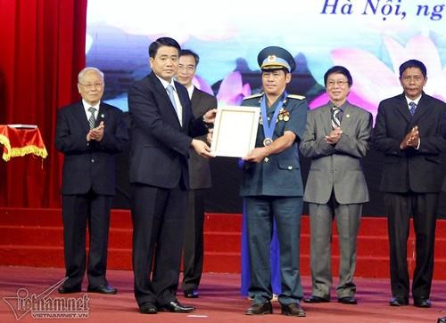 """Chuyen """"hiep si duong pho"""" Ha Noi hon 300 lan bat cuop-Hinh-4"""
