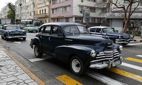 """Ky la nhu mua ban o to o """"thien duong xe co"""" Cuba"""