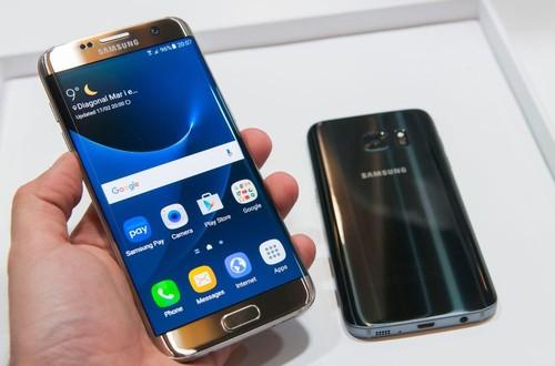 Co nen mua Galaxy S8 hay iPhone 7 dang giam gia?-Hinh-2