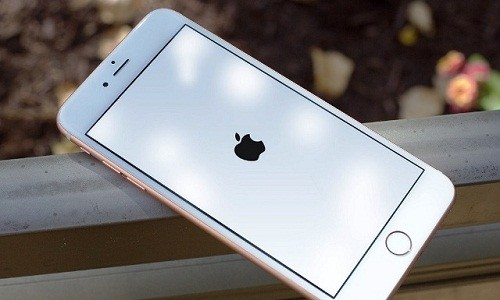 Lam gi khi iPhone bi treo man hinh?