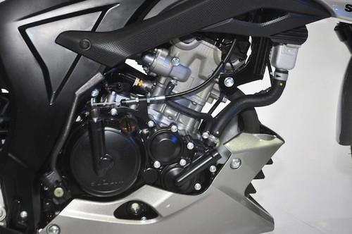 "Suzuki GSX-S150 ""chot gia"" 40 trieu tai Indonesia-Hinh-6"