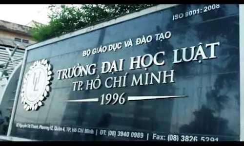 Truong DH Luat TP.HCM ha muc ky luat nu sinh photo giao trinh