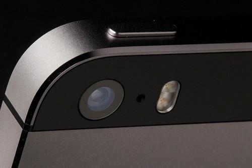 Meo bat 2 den flash cung luc tren iPhone