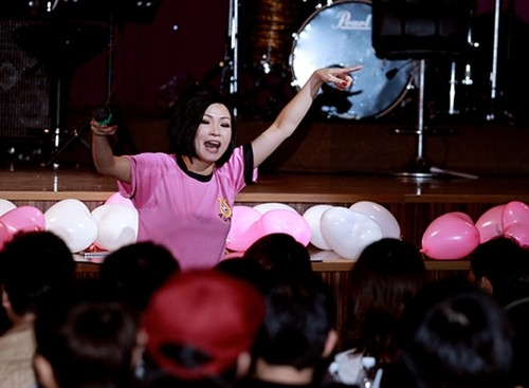 Phuong Thanh len tieng, showbiz ngay cang te?