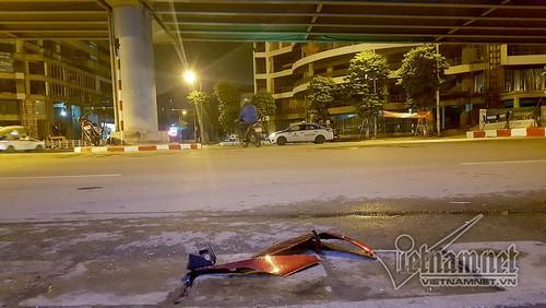 Tai nan tren cau vuot Thai Ha luc nua dem, 3 nguoi thuong vong-Hinh-4