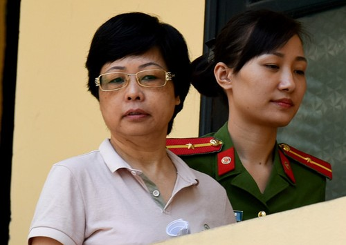 Cuu dai bieu Quoc hoi Chau Thi Thu Nga: 'Cong an bat toi qua som'-Hinh-2