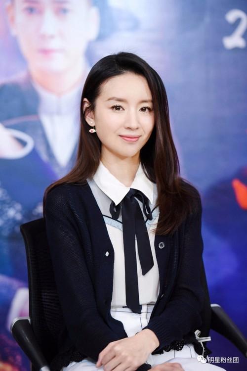 """Chuc Anh Dai"" Dong Khiet da ban nha cua, ve que song"