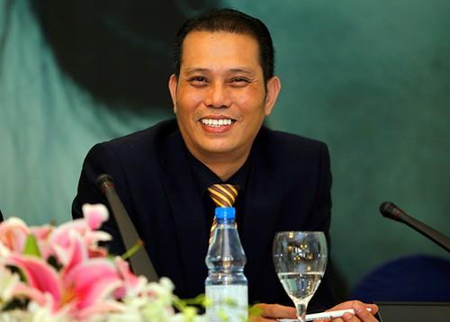 "Neu yeu cau ngung phat ""Song chung voi me chong"", toi ton trong!"