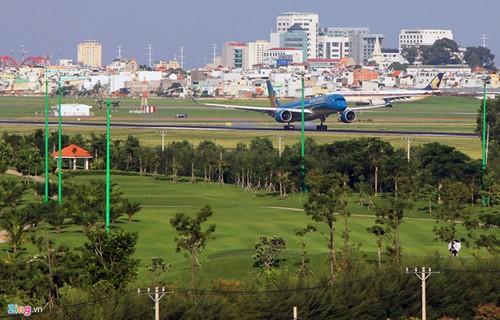 Chua thu hoi san golf de mo rong Tan Son Nhat