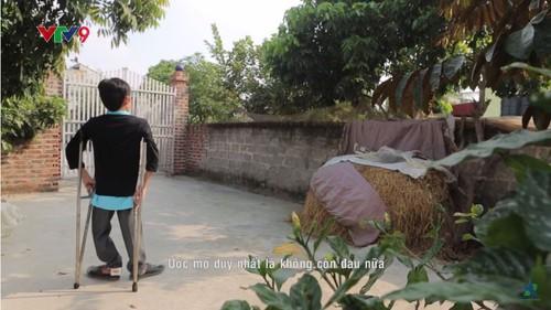 Hoa sy khuyet tat Luu Xuan Thanh: Nguoi ve lai so phan-Hinh-2