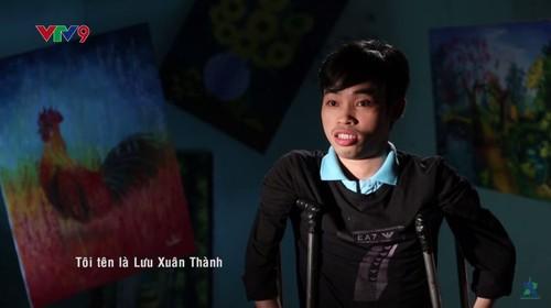 Hoa sy khuyet tat Luu Xuan Thanh: Nguoi ve lai so phan