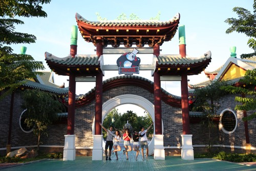 Trai nghiem tau luon dang treo cuc dinh tai Asia Park-Hinh-4