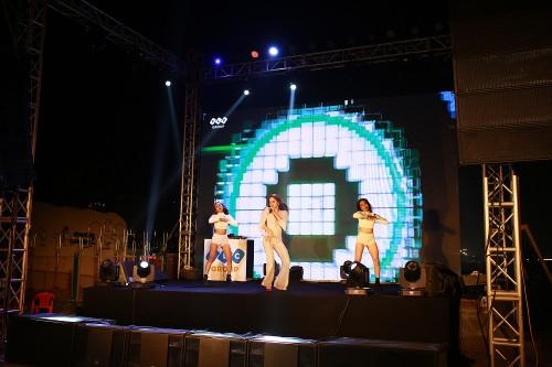 Khan gia Sam Son cuong nhiet trong dem nhac EDM bai bien-Hinh-11