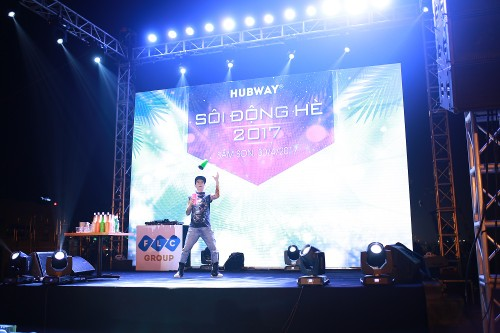 Khan gia Sam Son cuong nhiet trong dem nhac EDM bai bien-Hinh-13