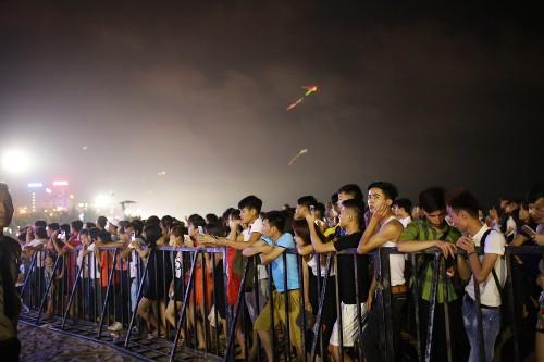 Khan gia Sam Son cuong nhiet trong dem nhac EDM bai bien-Hinh-15