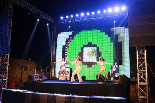 Khan gia Sam Son cuong nhiet trong dem nhac EDM bai bien-Hinh-9