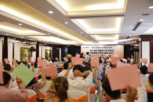 Ong Trinh Van Quyet tro thanh Tan Chu tich HDQT FLC Faros-Hinh-2