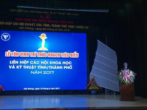 Ton vinh 65 tri thuc tieu bieu Lien hiep Hoi Viet Nam