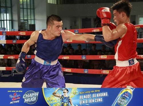 """""""Bong hong"""" so gang kich tinh tai giai Boxing tranh dai Number 1-Hinh-4"""