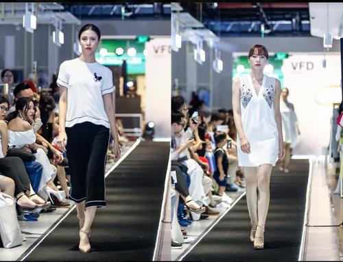 "Da tiec thoi trang ""Liec"": Loi chao dang cap tu V-Fashion Designers-Hinh-12"