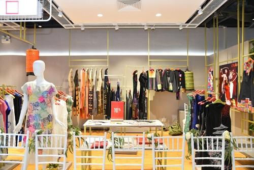 "Da tiec thoi trang ""Liec"": Loi chao dang cap tu V-Fashion Designers-Hinh-6"