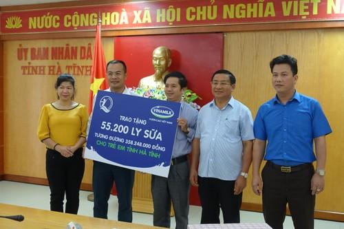 Vinamilk dem sua den voi tre em vung lu tai Ha Tinh va Quang Binh-Hinh-2