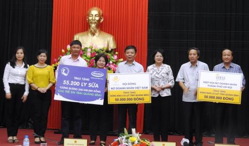 Vinamilk dem sua den voi tre em vung lu tai Ha Tinh va Quang Binh-Hinh-5