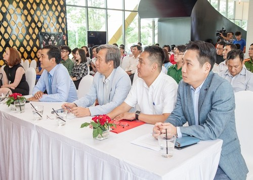 Khoi dong Giai Marathon Quoc te TP.HCM Techcombank 2017-Hinh-2