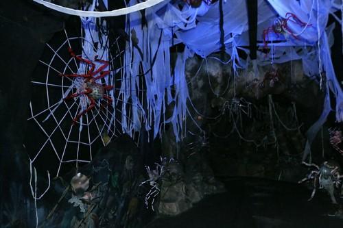 Hon 10 tan bi, ngo, tao trang tri Halloween Sun World Ba Na Hills-Hinh-7