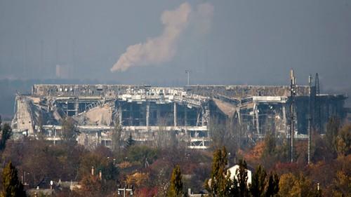 San bay Donetsk hoang tan sau cuoc chien
