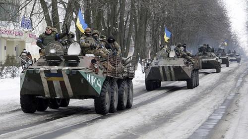 Quan doi Ukraine tan cong vao hai thi tran ly khai