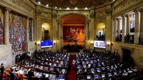 Quoc hoi Colombia phe chuan thoa thuan hoa binh voi FARC