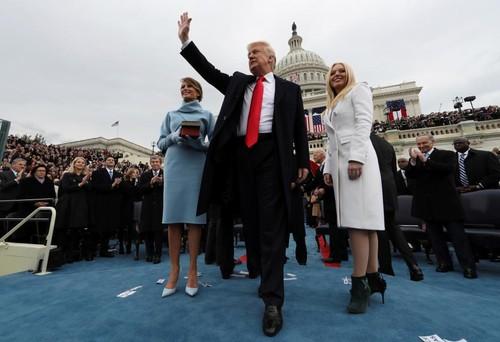 TT Donald Trump vua nham chuc, My tuyen bo rut khoi TPP