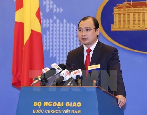 Viet Nam phan doi Dai Loan tap tran ban dan that o Truong Sa