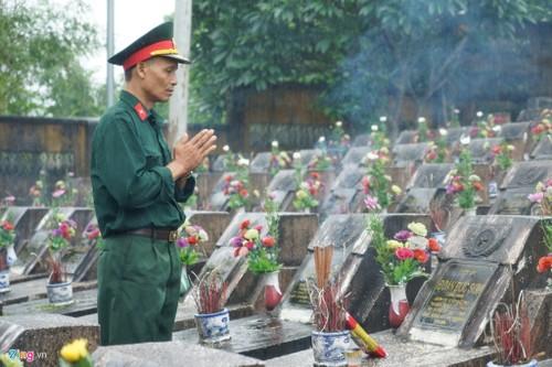 Cuoc hanh quan dac biet cua nghin cuu binh ve chien truong Vi Xuyen-Hinh-2